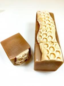 handgefertigte Duschseife mit Imkerhonig, Bienenwachs und Milch, Parfumfrei Milch & Honig