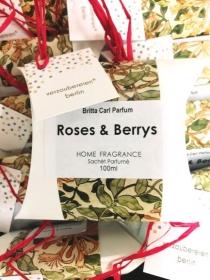 handgefertigtes Duftkissen-Parfum für Wohnräume mit Rosengeranie, Beeren, Kräutern, Gewürzen und ätherischen Ölen