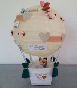 Geldgeschenk zur Hochzeit Heissluftballon mit Figur Brautpaar im Ring