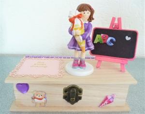 Geldgeschenke Einschulung, erster Schultag, Mädchen mit Schultüte Geschenk Box