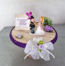 Geld Geschenke zur Hochzeit Brautpaar mit Ring auf Tortenplatte aus Holz Tischdeko