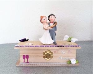 Geldgeschenke Hochzeit Geschenkbox Buchform aus Holz mit Brautpaar Geschenkverpackung