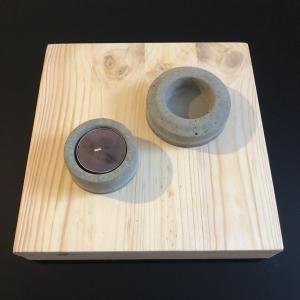 Teelichthalter - Kerzenhalter - Tisch Deko - Beton - Garten Deko - HandgefertigtMerkmale zum Artikel Großes Teelicht: 2,5 cm hoch und 7 cm breit kleines Teelicht: 2,5 cm hoch und 5