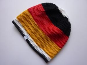 Häkelmütze Deutschland schwarz rot gold