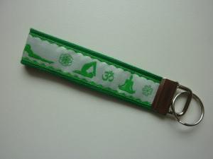 Schlüsselanhänger Yoga in grün und weiß
