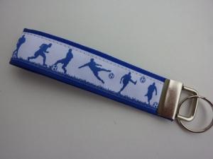 Schlüsselanhänger Fußballer in blau und weiß