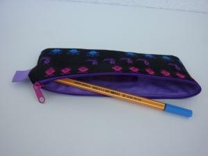 Mäppchen PIXELS in pink, lila, blau und türkis