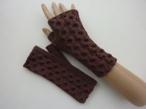 Handstulpen Armstulpen in braun aus Baumwolle handgestrickt gestrickt im Wabenmuster