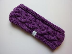 Stirnband violett mit Zopfmuster handgestrickt