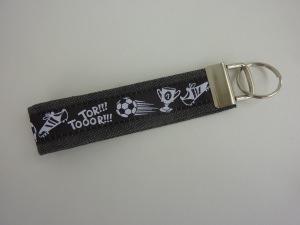 Schlüsselanhänger TORJUBEL schwarz weiß