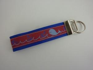 Schlüsselanhänger WALFISCH in blau und rot