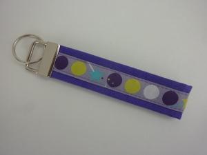 Schlüsselanhänger DOTS in lila
