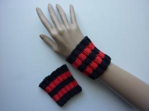 Pulswärmer Schweißbänder Schwarz Rot handgestrickt