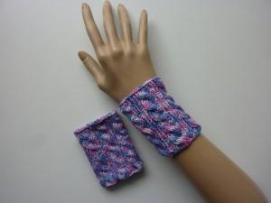 Armband Pulswärmer pink rosa flieder hellblau mit Zopfmuster