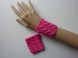 Pulswärmer Strickarmbänder pink mit Zopfmuster