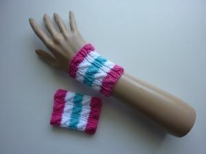 Strickarmband Pulswärmer pink weiß türkis mit Zopfmuster