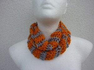 leichter Schlauchschal Orange Grau Bio-Baumwolle handgestrickt