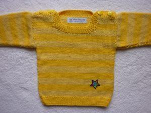 Babypulli Gr. 74/80 gelb gestreift aus Baumwolle handgestrickt