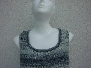 Sommertop Gr. 38 grau Bio-Baumwolle handgestrickt