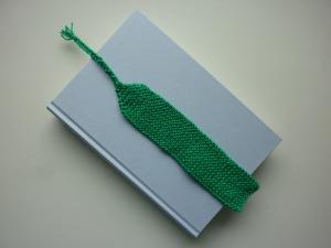 Lesezeichen Grün gestrickt mit Zopf