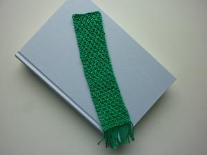 Lesezeichen Grün gestrickt mit Fransen