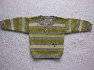 Babypulli Gr. 74/80 grau grün gestreift aus Baumwolle handgestrickt