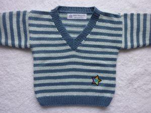 Babypulli Gr. 74/80 blau gestreift aus Baumwolle handgestrickt V1