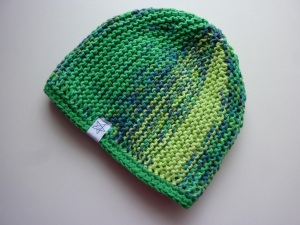 Babymütze Gr. 41 - 47 Grün aus Baumwolle handgestrickt, mit Fleece gefüttert
