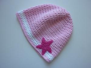 gehäkelte dünne Babymütze in rosa und weiß aus Baumwolle