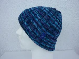 Strickmütze Blau Türkis Lila rundgestrickt aus Schurwolle