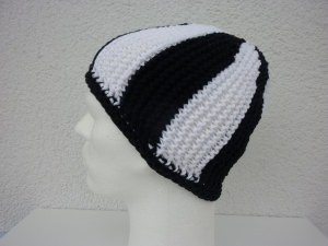 Strickmütze Fußball-Fan schwarz weiß