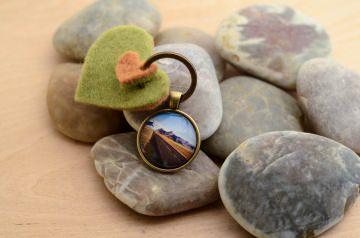 Schlüsselanhänger Cabochon und Filzanhänger Island handmade