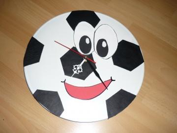 Fußballuhr - Wanduhr - Schallplattenuhr - Vinyl - Handarbeit kaufen