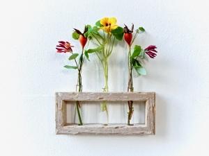 Originelle Blumenvase/ Wandvase aus Treibholz mit Reagenzgläsern - handgemacht - Unikat