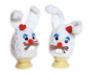 2 Eierwärmer Hasen in weiß mit Herz Tischdekoration gehäkelte Handarbeit von Verrückte Maschen