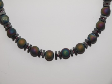 Regenbogenfarbene Achat Halskette mit wunderschön schimmernden Geoden (Drusen)
