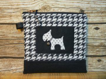 handgenähtes kleines Täschchen  Universaltäschchen Hund Struppi schwarz weiß