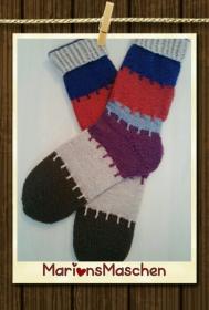 Handgestrickte Socken für jung und alt - kunterbunt in Blockstreifen