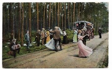 Alte Foto Postkarte  ★ DER STRASSEN-WALZER ★  Paare tanzen auf einer Landstraße , um 1910