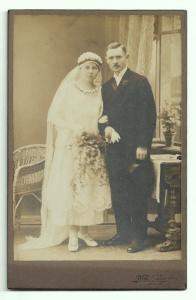 Altes Foto ★ BRAUTPAAR ★  Braut mit Schleier und Brautstrauß ★ um 1920
