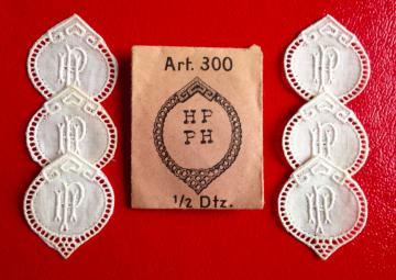 ★  HP/PH  MONOGRAMME ANTIK ★ 6 Stück gestickte weiße vintage Buchstaben Wäschezeichen zum Aufnähen