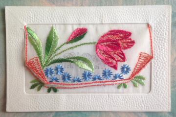 Alte Postkarte  ★LIEBESGRUß★ mit Blumen bestickte Grußkarte, um 1910
