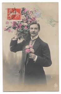 Alte  Foto Postkarte Glückwunsch  ★ BONNE FÊTE  ★  Mann mit großem Blumenstrauß, um1910