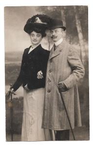 Alte Postkarte ★ELEGANTES EHEPAAR MIT SPAZIERSTOCK★ Foto Postkarte von 1908