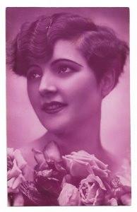 Alte Foto Postkarte  ★ SCHÖNE FRAU MIT BUBIKOPF FRISUR ★ 1920er Jahre