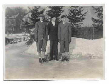Altes Foto ★ 3 SCHLITTSCHUHLÄUFER ★  1920er Jahre