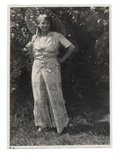 Altes Foto★ FRAU IM HOSENANZUG MIT SONNENSCHIRM ★ 1931