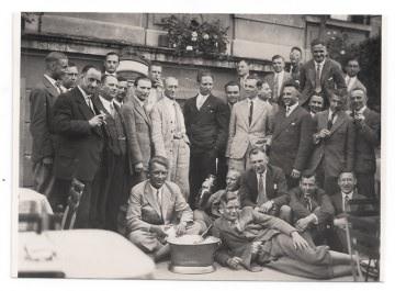 Alte Foto Postkarte  ★ MÄNNER BEIM FEIERN ★  1920er Jahre