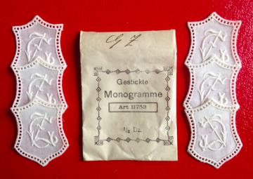 ★ GZ/ZG  MONOGRAMME ANTIK  ★ 6 Stück gestickte weiße vintage Buchstaben Wäschezeichen zum Aufnähen