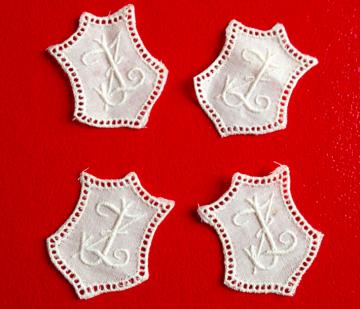 ★ JZ/ZJ  MONOGRAMME ANTIK  ★ 4 Stück gestickte weiße vintage Buchstaben Wäschezeichen zum Aufnähen